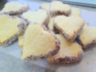 39 | גילת - הלוחשת למתוקים  | גילת חסין | עוגיות מעוצבות | קינוחים אישיים | נשיקות | שוקולדים | עוגיות | עוגת זילוף | קצפת לזילוף | מתכון לקצפת | עוגות זילוף ליום הולדת | עוגות זילוף מעוצבות | סדנת זילוף | זילוף