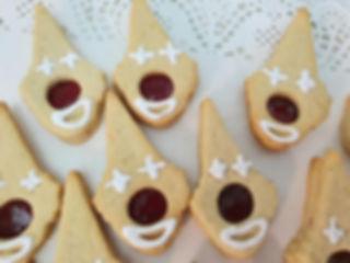 41 | גילת - הלוחשת למתוקים  | גילת חסין | עוגיות מעוצבות | קינוחים אישיים | נשיקות | שוקולדים | עוגיות | עוגת זילוף | קצפת לזילוף | מתכון לקצפת | עוגות זילוף ליום הולדת | עוגות זילוף מעוצבות | סדנת זילוף | זילוף
