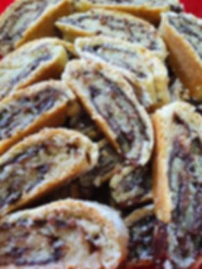 40 | גילת - הלוחשת למתוקים  | גילת חסין | עוגיות מעוצבות | קינוחים אישיים | נשיקות | שוקולדים | עוגיות | עוגת זילוף | קצפת לזילוף | מתכון לקצפת | עוגות זילוף ליום הולדת | עוגות זילוף מעוצבות | סדנת זילוף | זילוף