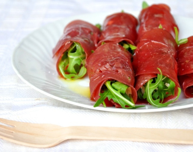 Bresaola Rolls with Goat cheese and Arugola