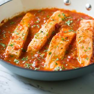 Salmon, crab and fresh tomatoes sauce