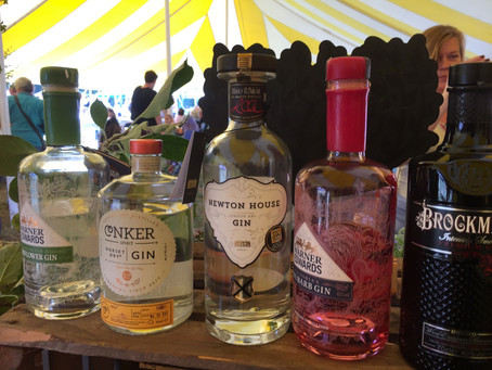 The gin-spirational Dike & Sons are the Oak Fair's main sponsors!