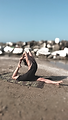 clare-yoga_spiaggia.png