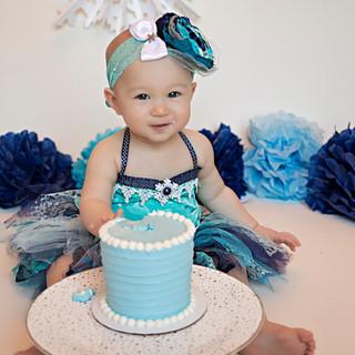 Gwendolyn Cake Smash_0184 copy.jpg