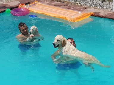 De baño en la piscina