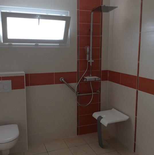 salle de bain PMR villa des anges