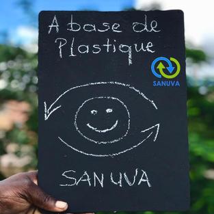 Ardoise scolaire à base de plastiques 100 % recyclés