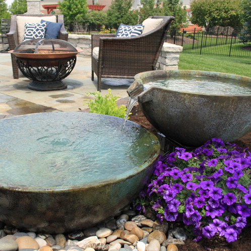 The Aquascape Spillway Bowl And Basin Landscape Fountain Kit Contains Everything You Need To Build Yolur Own Feature In An Easy Install
