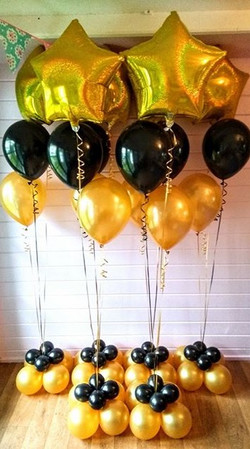Amazing gold star dazzler balloons.