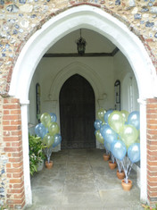 Balloon release lemon and blue.