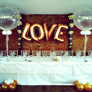 Beautiful wedding balloons!