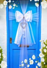 Enchanting White Door Bow!