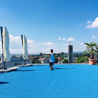 Training auf Terrasse.jpg