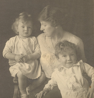 ca. 1923 Alec, mother Jessie Burrage, brother Maurice