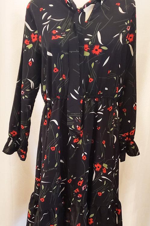 Vintage-Inspired Black Floral Dress