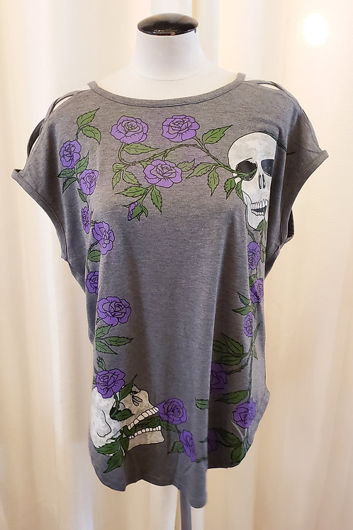 Vintage-Inspired Gray Skull and Flower Top