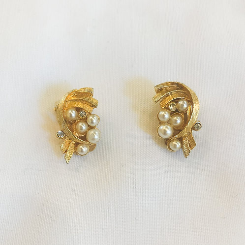 Vintage Gold and Pearl Clip-On Earrings