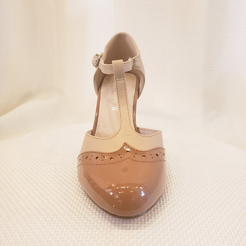 Vintage-Inspired Tan and Nude Chelsea Crew Gatsby Shoe