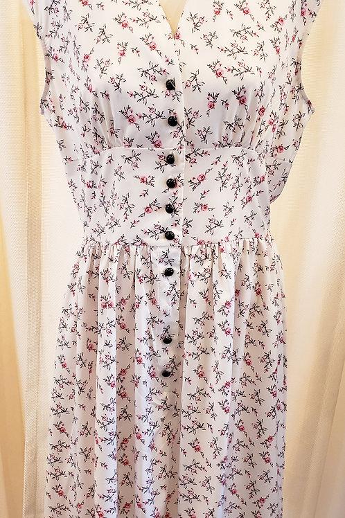Vintage-Inspired White Floral Dress