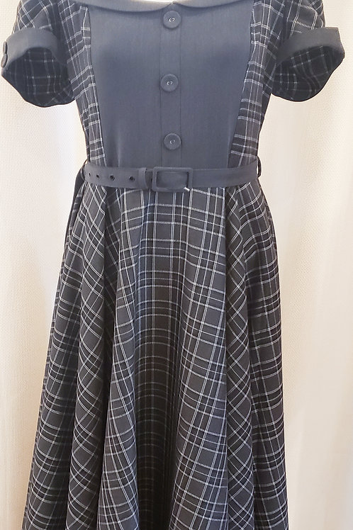 Vintage-Inspired Gray Plaid Dress