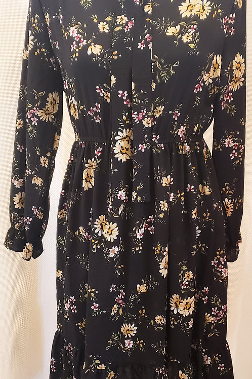 Vintage-Inspired Black Floral Junior's Dress