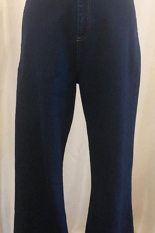 Vintage-Inspired Wide-Leg Jeans