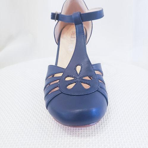 Vintage-Inspired Navy Chelsea Crew Memories Shoe
