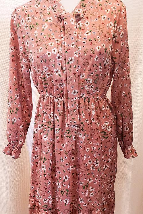 Vintage-Inspired Pink Floral Junior's Dress