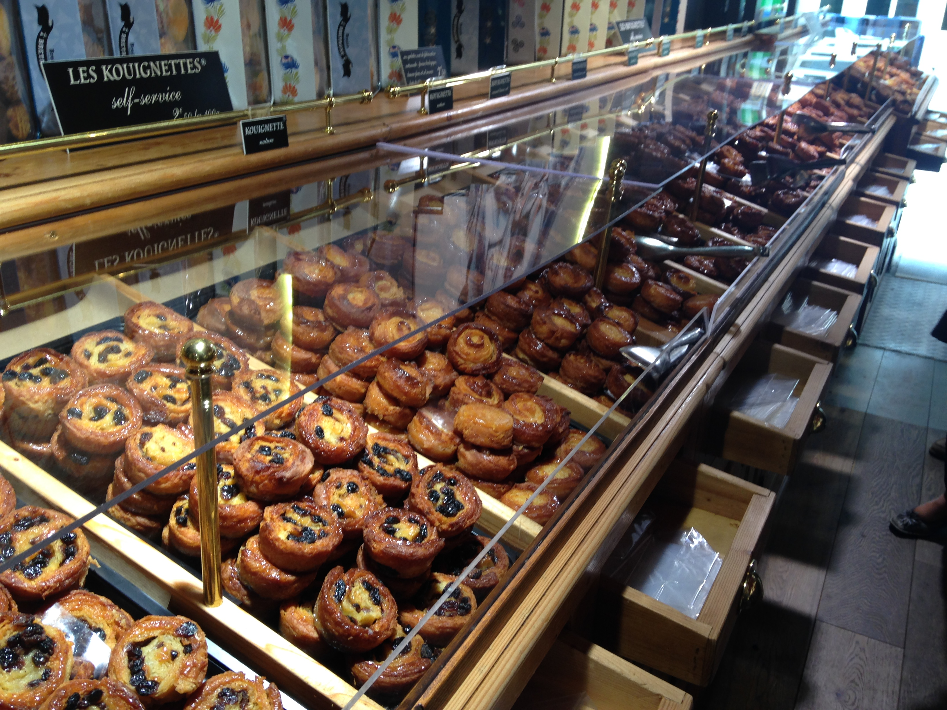 French Cakes & Pastries