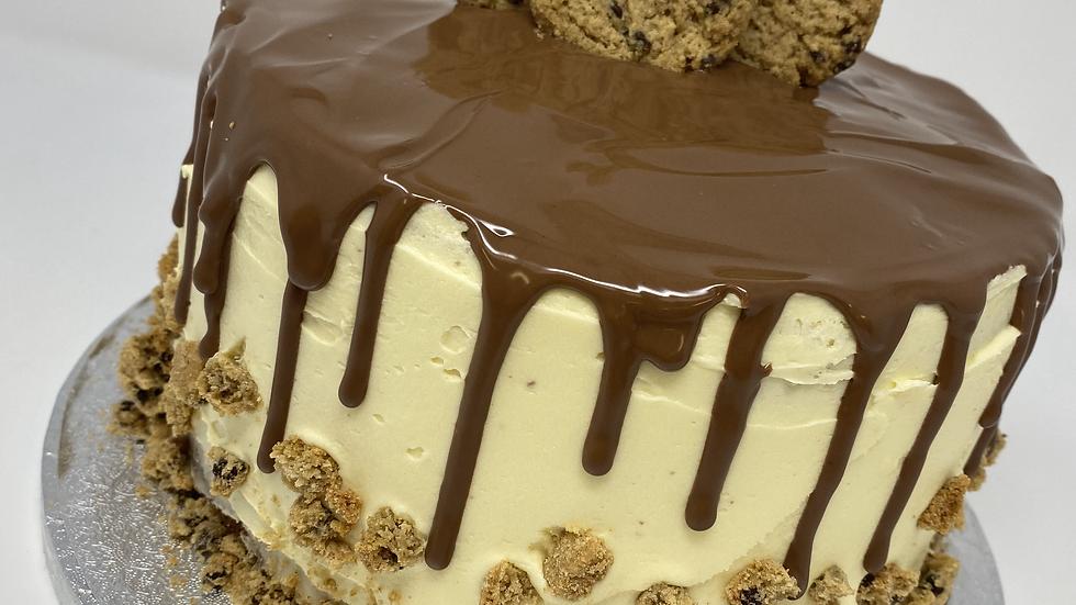 Cookie Crumble Drip Cake