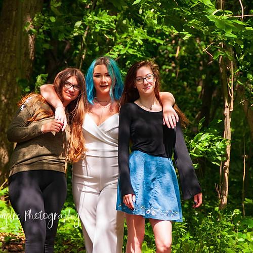 Hailey, Joanna, & Sara Friends Session