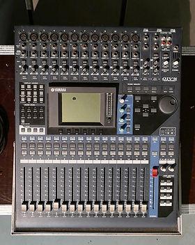 Yamaha01v96.jpg