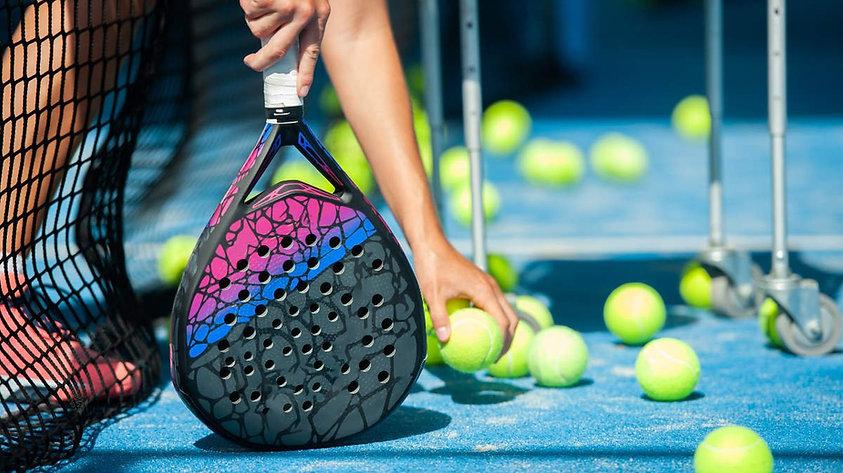 padel-tennisschlaeger.jpeg