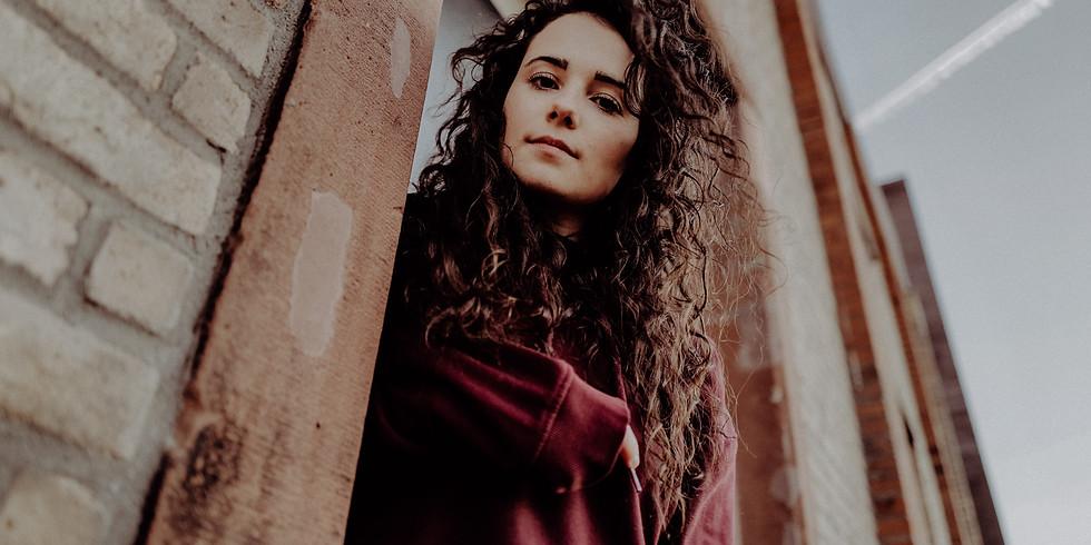 Konzert mit Adina Mitchell - Livestream und vor Ort in der Pfarrscheuer