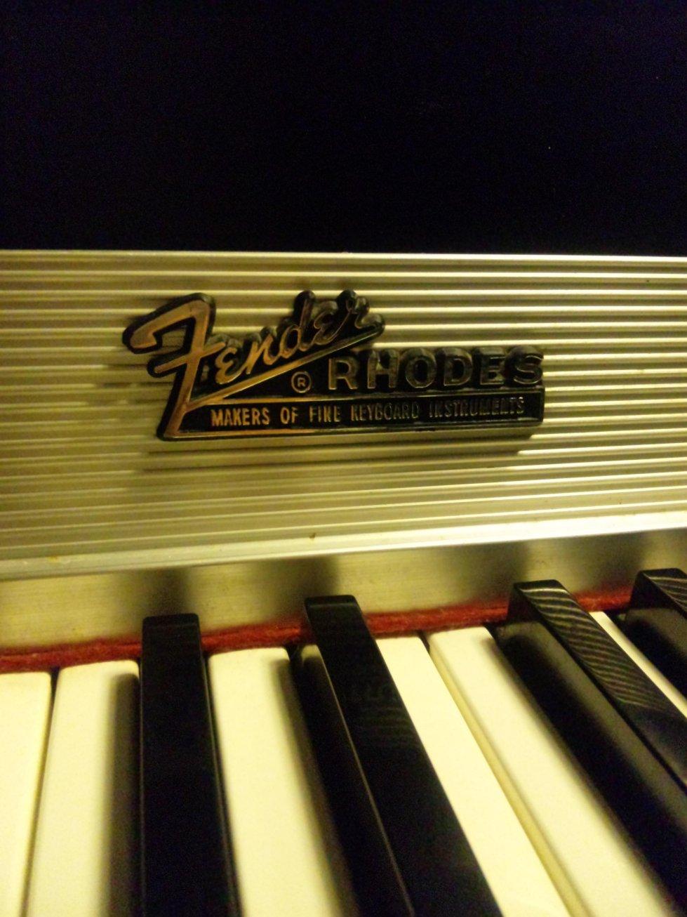 Fender Rhodes gazou 40%
