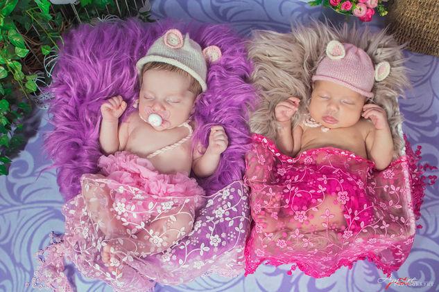 Beatrice e Annarita | Foto Newborn Neona