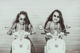 Jasmine e Azzurra   | Foto Bambini Napol