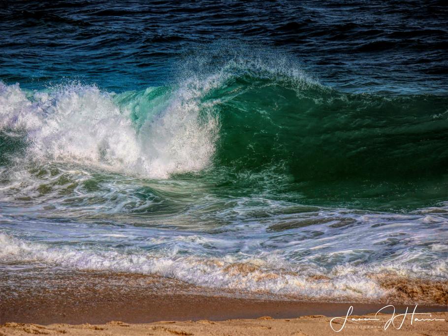 Waves Crashing-1525812380760.jpg