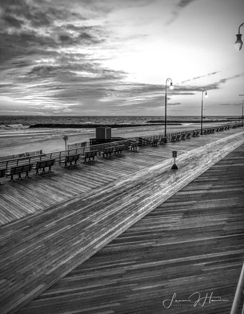 Long Beach Pier B&W 11x14.jpg