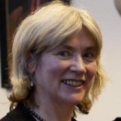 Anne Madden headshot