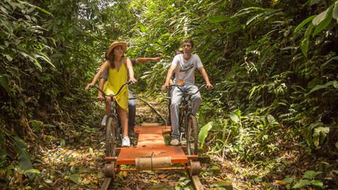 Visitantes disfrutando de El Biciriel