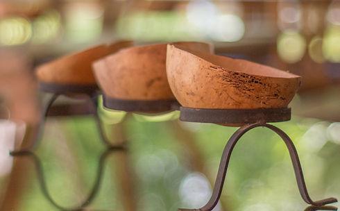 Usamos La Totuma de La Granja Ecohotel para evitar el uso de vasos desechables