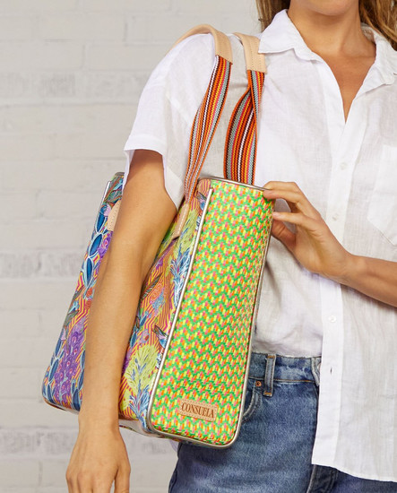 Busy Classic Tote_model.jpeg