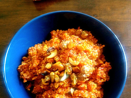 Gajar Ka halwa with Gur ( carrot milk pudding with Jaggery)