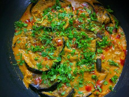 Bahar E Baingan (Aubergine in onion gravy)