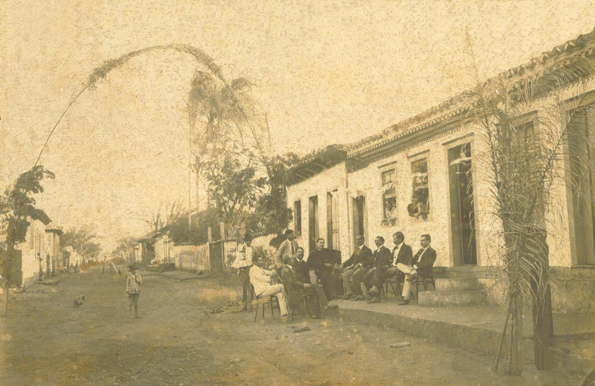 Rua Des Jaime, 1918,  Pe Henrique Isquierdo e Dr Faustino