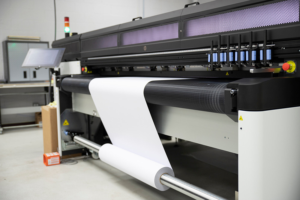 Roll-to-roll banner printing