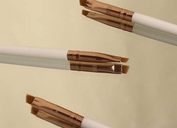 Boujee Beauty Angled Eyeliner Brush B318