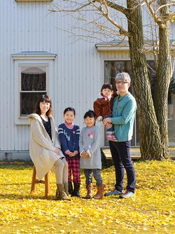 井島家のご家族写真。