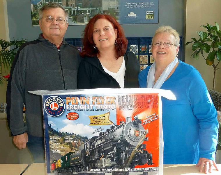 BobSue and SueP train winner Dec 13.jpg